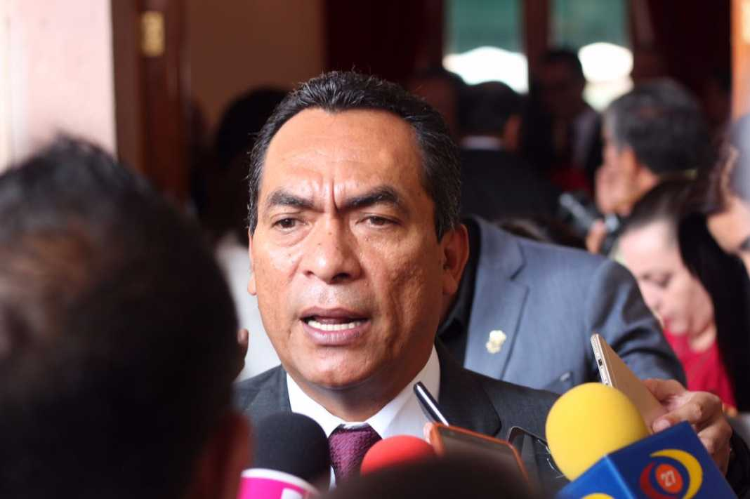 Con salida de ADN no se cae el PRD: Adrián López