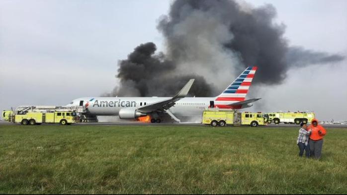 Avi 243 N De American Se Incendia En El Aeropuerto De Chicago