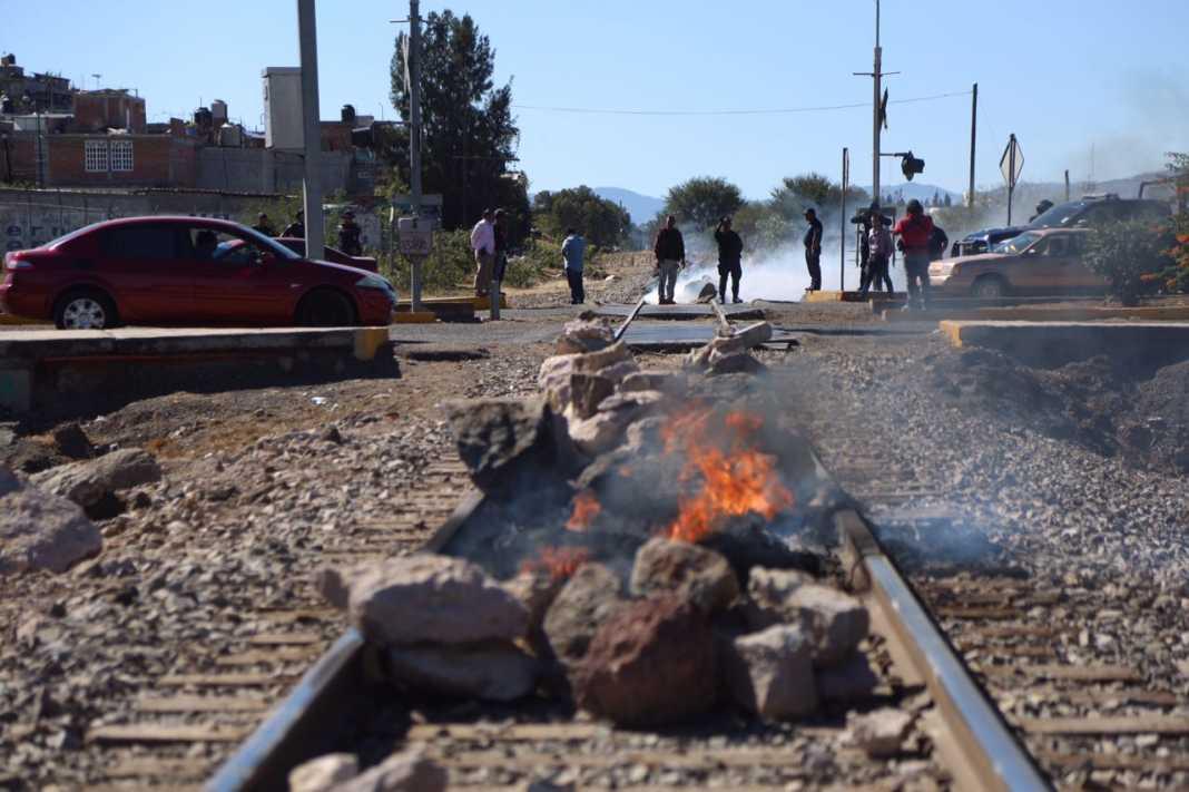 Se deslinda CNTE de quienes mantienen bloqueos en vías férreas