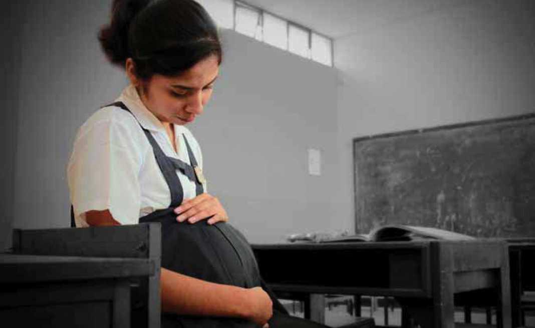 Más de 3 mil embarazos en adolescentes