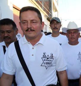 Amenazan al Abuelo Farías con narcomantas en Apatzingán