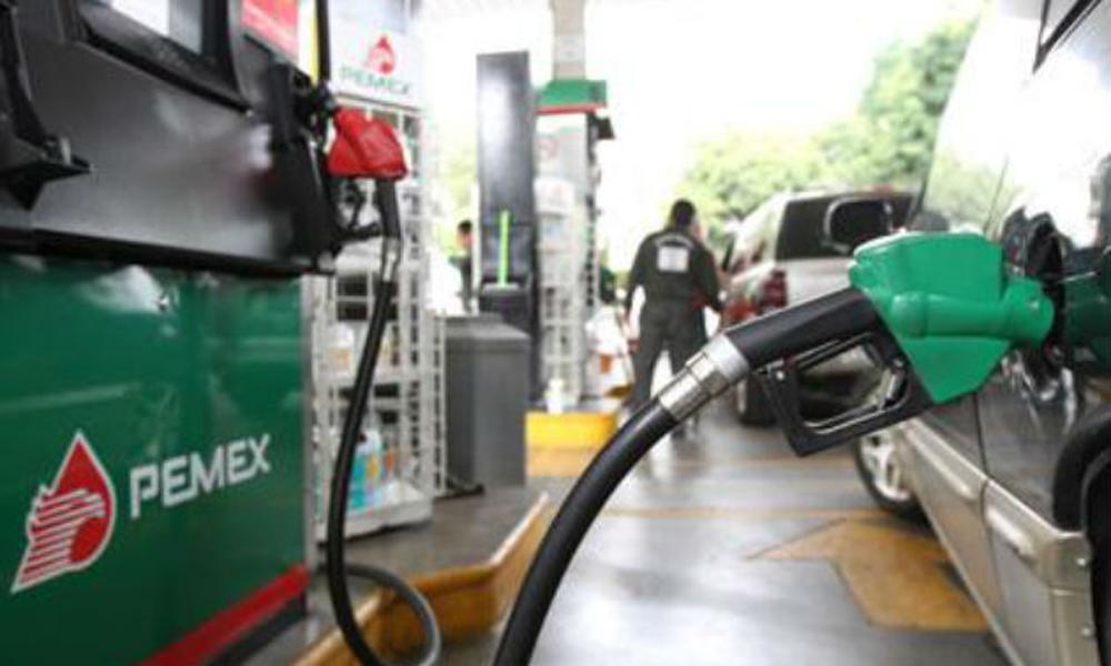 Promete PEMEX restaurar distribución de combustible en Michoacán