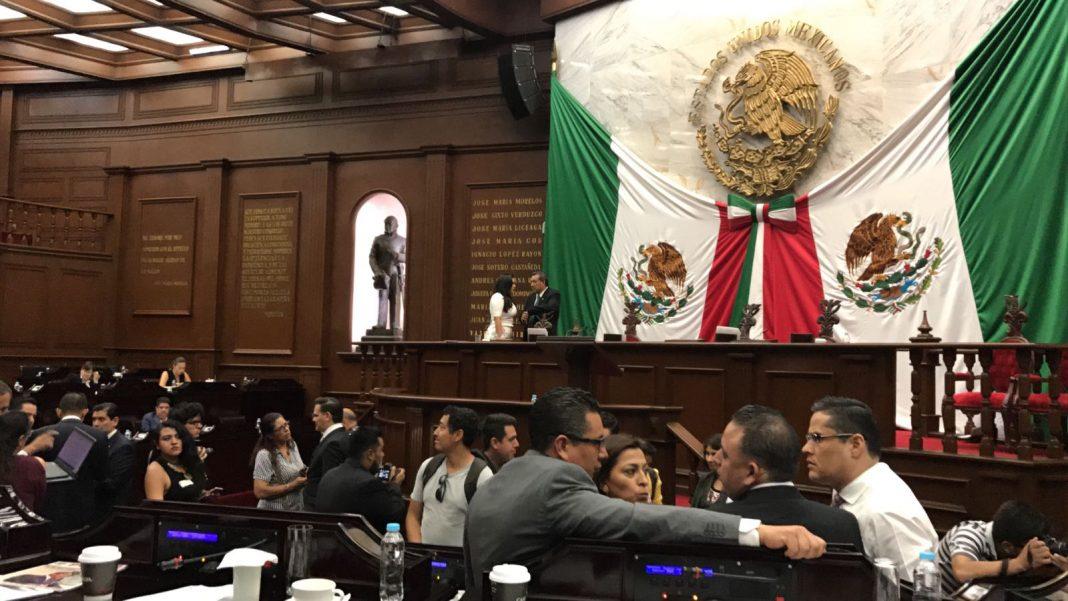 Silvano Aureoles anuncia 13 cambios en su gabinete