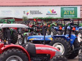 Continúan adeudos a proveedores de tractores
