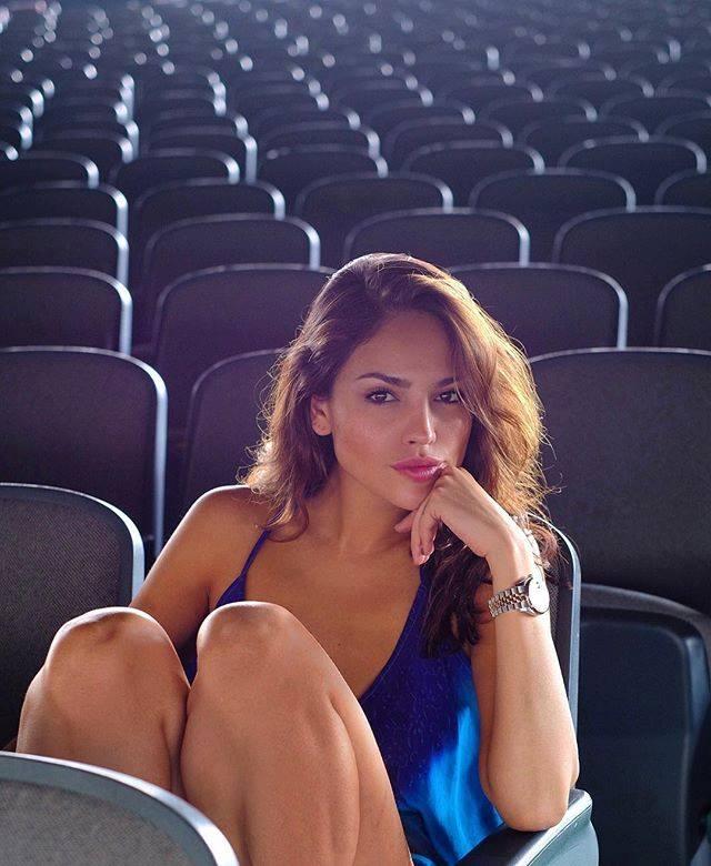 Eiza González critica el reto viral #10YearChallenge
