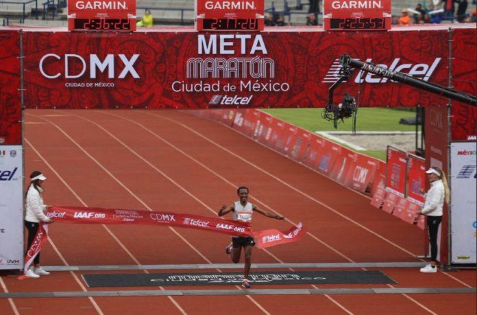 Etíope Fikadu Kedebe ganó Maratón CDMX