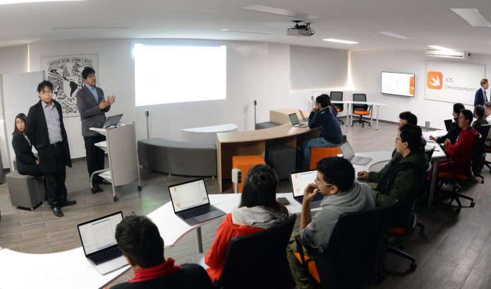 La UNAM presenta un laboratorio de apps para iOS donado por Apple