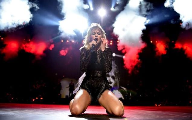 Taylor Swift se desnuda para su nuevo video clip