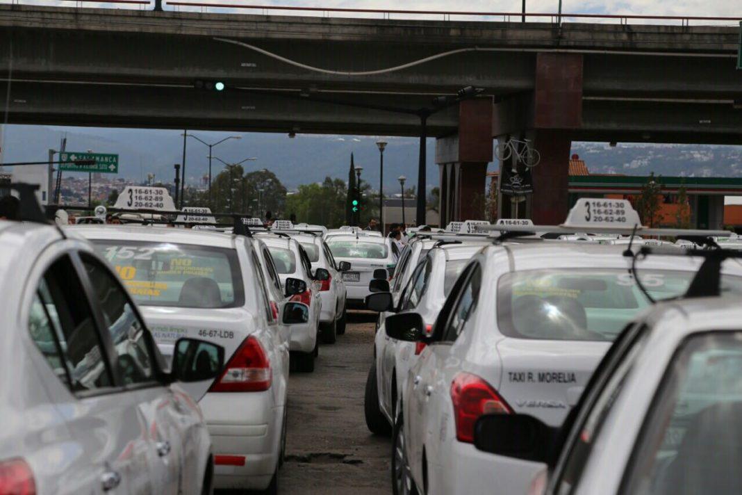 Taxistas continuarán con manifestaciones en contra de Uber