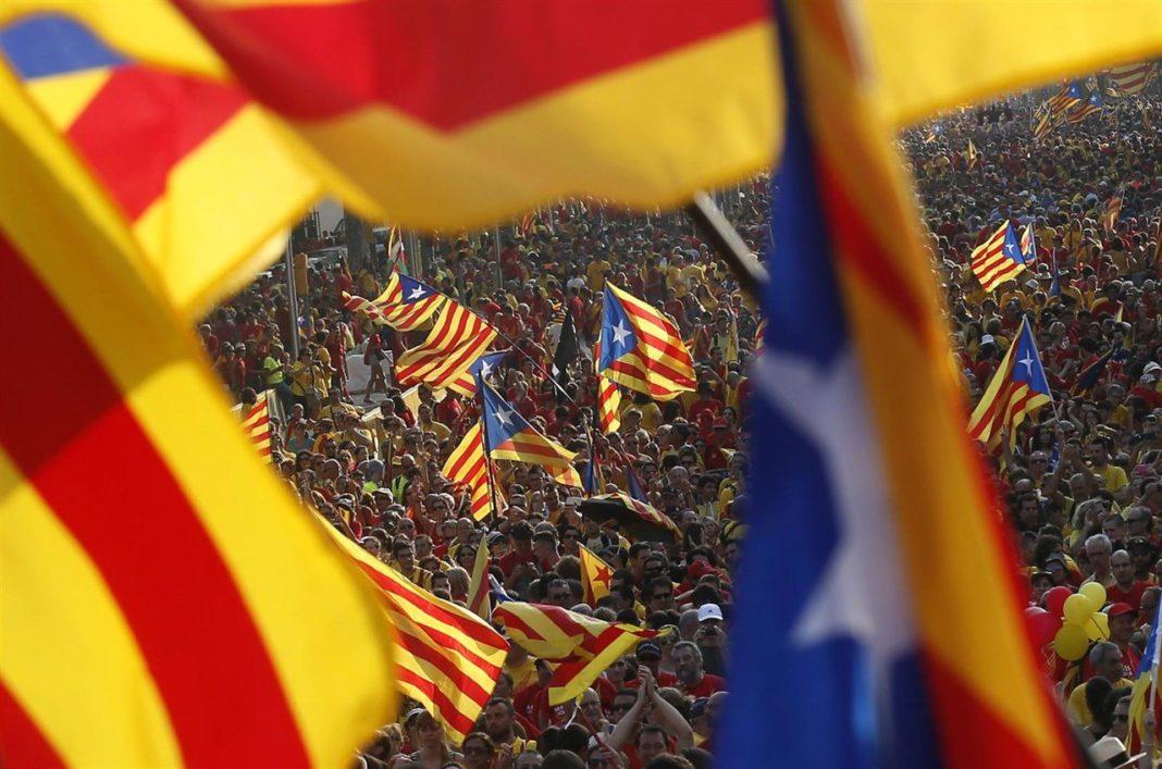 Declara Parlamento independencia de Cataluña