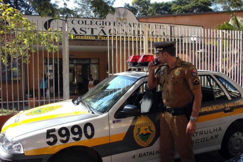 Vigilante incendia guardería en Brasil