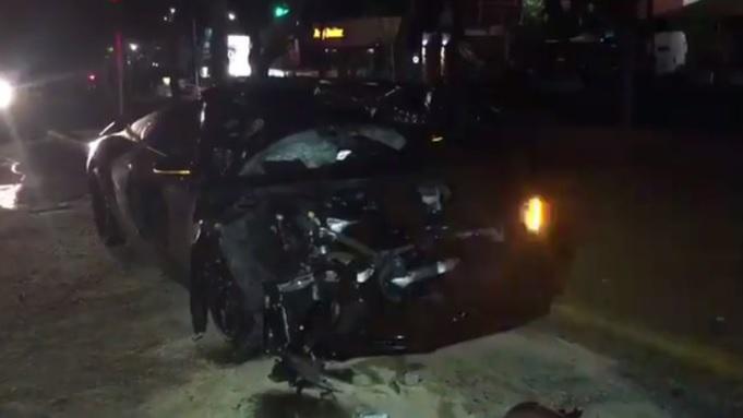 Alan Pulido sufre accidente automovilístico en Zapopan