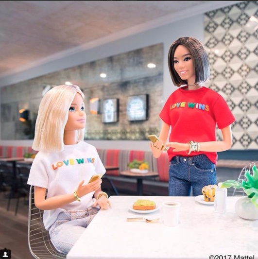Barbie apoya la LGBT