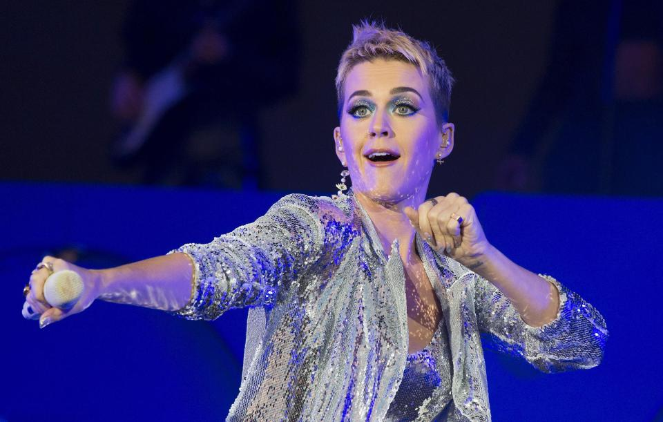 Acusan a Katy Perry de acosar sexualmente a un joven