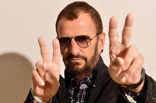 Ringo Starr recibe distinción real de la Reina Isabel