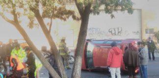 Se registró volcadura en al avenida Madero dejó una mujer lesionada