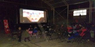 Cine al aire libre llega a escuelas de Morelia