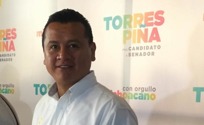 Presenta Torres Piña propuestas a militantes