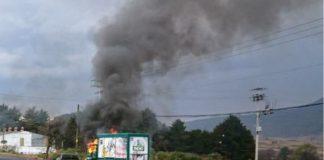 Incendian vehículos en apoyo a la CNTE