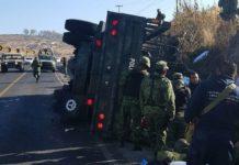 Vuelca unidad militar en Mil Cumbres