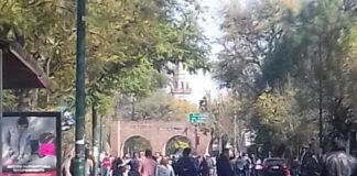 Maestros exigen el pago atrasado mediante una manifestación que fecta la vialidad de Ventura Puente