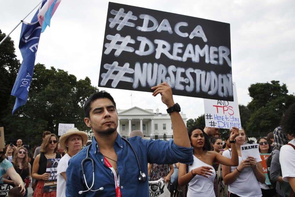 Revés a Trump; se mantiene plan DACA