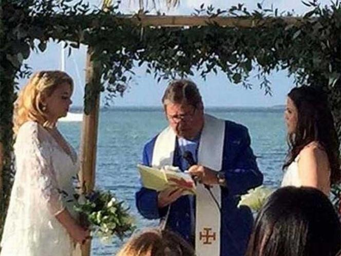 En escuela católica despiden a maestra, por casarse con su novia
