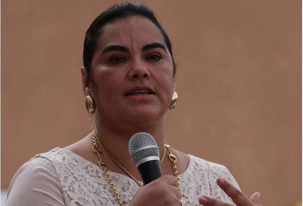 Detienen a exprimera dama por presunta corrupción