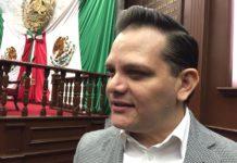 Diputados no dejarán plazas a trabajadores del Congreso