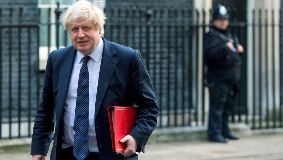 Boris Johnson pasa la noche en cuidados intensivos por Covid-19
