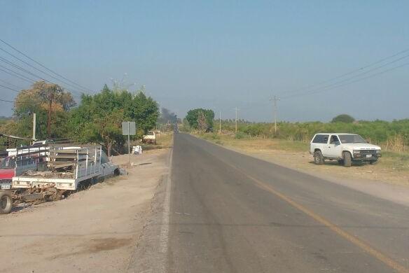 Reactivan narcobloqueos en Pinzandaro