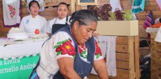 En grande festejan 15 años de encuentros de cocina tradicional