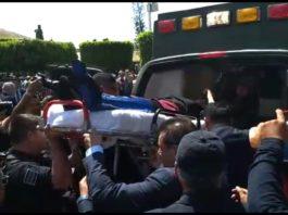 "Se desploma templete en Ario de Rosales; ""tumba"" a gobernador e invitados especiales"