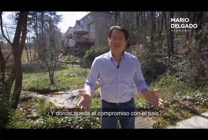 Mario Delgado muestra casa de Anaya en Atlanta