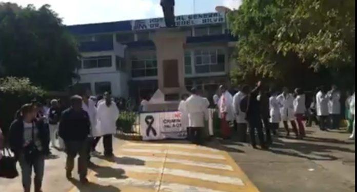 Por falta de insumos, médicos paralizan Hospital Civil