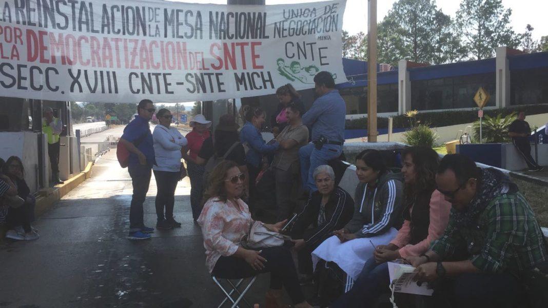 Anuncia CNTE bloqueos carreteros en la Mixteca de Puebla y Oaxaca