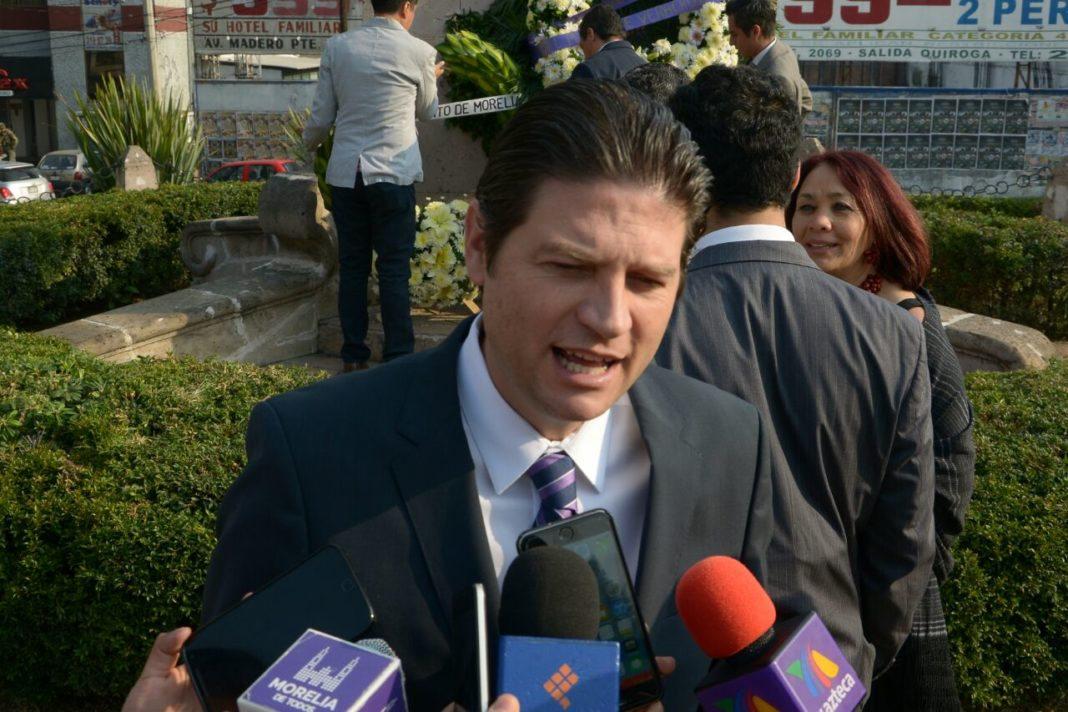 Recorre El Bronco calles de la CDMX previo al debate