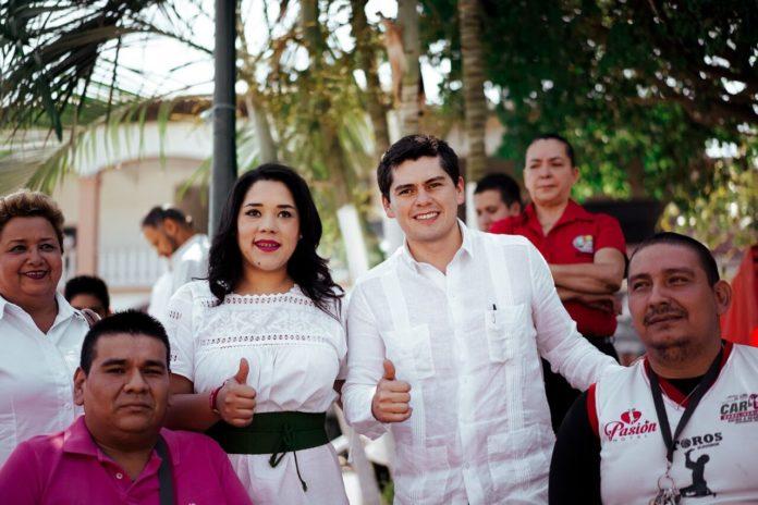 Toño Ixtláhuac visita Centro de Apatzingán