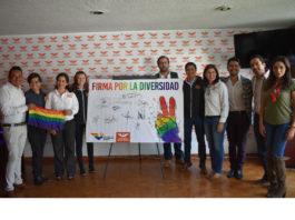 Candidatos de MC signan convenio por los derechos de la comunidad LGTTI