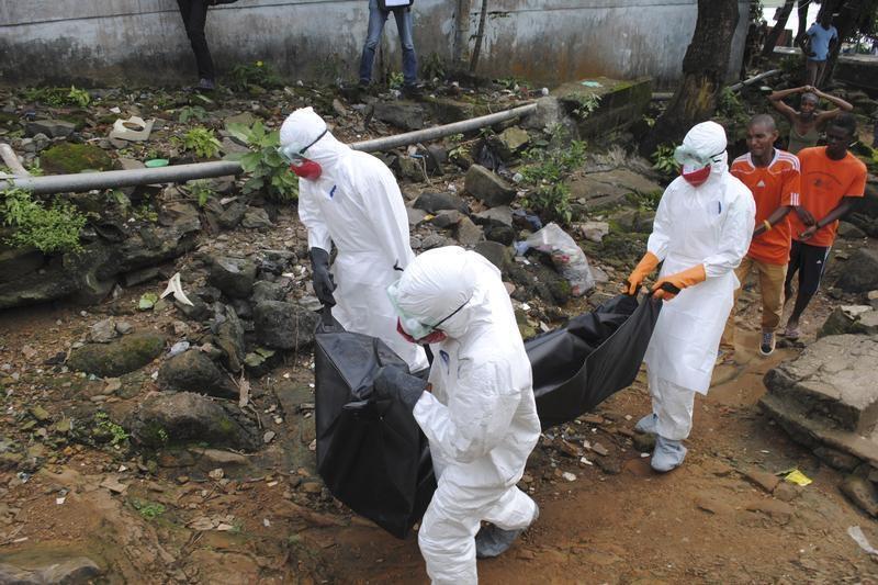 Incrementa número de muertos en Uganda por ébola