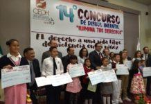 Niños michoacanos contra la violencia en el estado