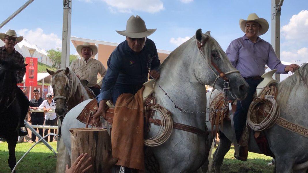 Con caballos bailadores inauguran Expo Ganadera 2018