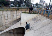 Policía impide suicidio