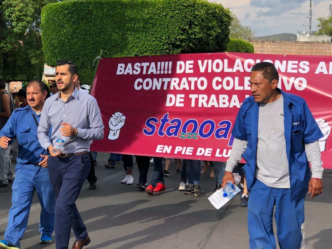 Huelga en el OOAPAS sigue latente; trabajadores se manifiestan