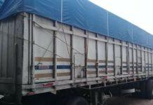 Decomisan tráiler con despensas supuestamente del PRD en Zamora