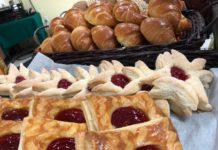 Panaderos michoacanos innovan en preparación de pan tradicional