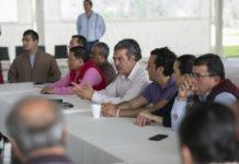 Empresarios y Morón acuerdan apoyos para damnificados por lluvias