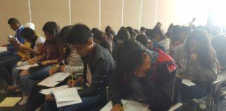 350 jóvenes realizaron su examen para su ingreso al bachillerato nicolaita