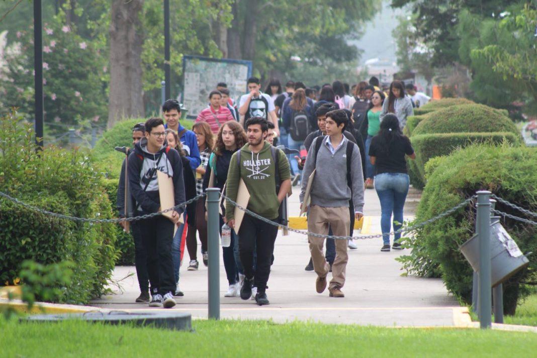 Más de 5 mil estudiantes en pre registro para entrar a la UMSNH