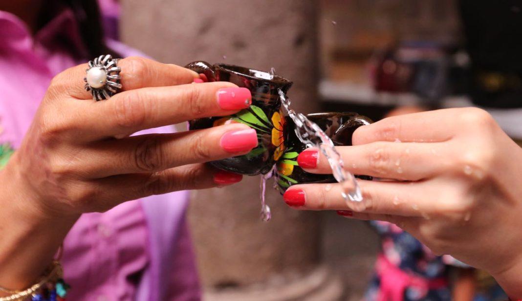 Presentan la asociación civil de Mujeres Productoras de Mezcal